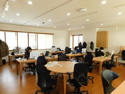 ICT KŌBŌのオフィスの様子。冬にお伺いしましたが非常に暖かく快適な室内でした